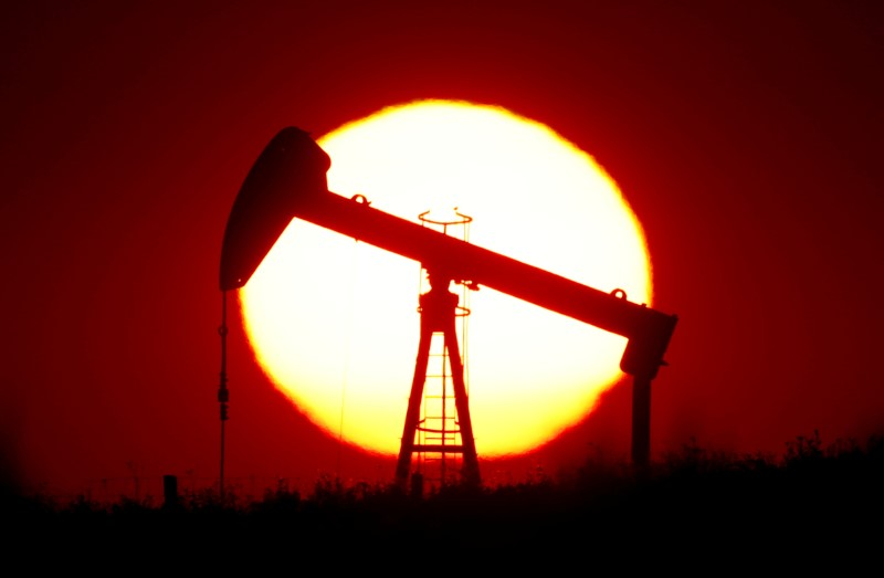 Oil market falls too big to offset with output cuts, IEA warns