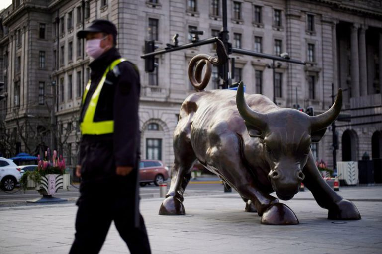 Asian stocks falter as global growth fears temper tech boost